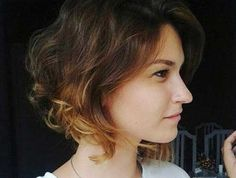 Fantastic Short Curly & Wavy Hairstyles for Stylish Ladies