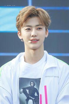 - 180511 Cre: on pic K Pop, Ntc Dream, Pale Moon, Johnny Seo, Nct Dream Jaemin, Lucas Nct, Fandoms, Entertainment, Na Jaemin