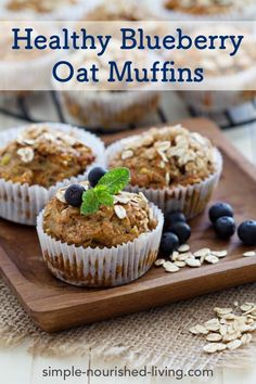 What& better than a warm muffin on a cool morning? Try these yummy and healthy muffins from Chef Gwen today! Banana Carrot Muffins, Raisin Muffins, Healthy Blueberry Muffins, Blue Berry Muffins, Oatmeal Muffins, Blueberry Recipes, Breakfast Muffins, Muffins Sans Gluten, Pumpkin Muffin Recipes