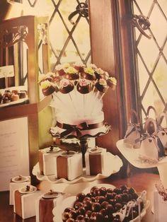 ゲストの方がお待ちの間にチョコやカップケーキ、ピンチョスなどを召し上がっていただき、 オリジナルスタイルで。  お二人の夢を形に  http://www.dreamplanning-wedding.jp/