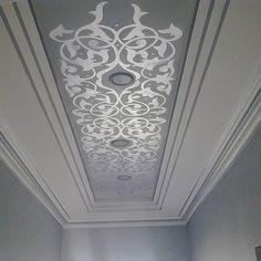 Pop False Ceiling Design, Ceiling Design Living Room, Ceiling Decor, Tin Ceiling Tiles, Wall Painting Decor, House Painting, Cove Lighting, Lighting Design, Plafond Staff