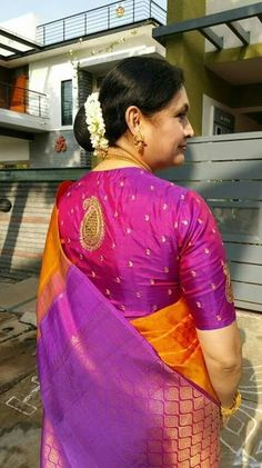 35 Traditional blouse back neck designs for silk sarees - Bluse Pattu Saree Blouse Designs, Silk Saree Blouse Designs, Blouse Patterns, Silk Sarees, Blouse Back Neck Designs, Fancy Blouse Designs, Traditional Blouse Designs, Work Blouse, Indian Wear
