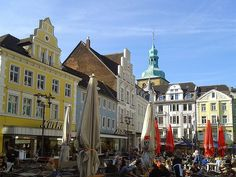 Recklinghausen - Market place in city centre  http://world-wide-pictures.blogspot.de/2015/04/recklinghausen-market-place-in-city.html