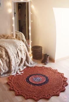 Alfombra de Ganchillo con colores Rústicos de 1.20 metros de diámetro // Crochet rug . www.susimiu.es