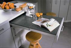 Всё для маленькой кухни: 15 хитрых столиков