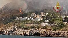 Τραγωδία στην Ιταλία: Δύο νεκροί από την πυρκαγιά στην Καλαβρία   Οι πυρκαγιές που μαίνονται εδώ και πολλές ημέρες στην Ιταλία είχαν αποτέλεσμα τον θάνατο δύο ανθρώπων σήμερα στην Καλαβρία την ώρα που οι πυροσβεστικές δυνάμεις... from ΡΟΗ ΕΙΔΗΣΕΩΝ enikos.gr http://ift.tt/2t94qw5 ΡΟΗ ΕΙΔΗΣΕΩΝ enikos.gr