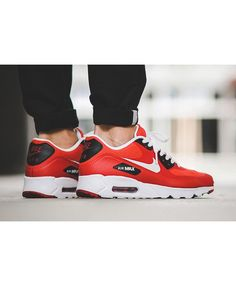 Nike Air Max 90 Ultra Essential Action Red Trainer has nice color and fashion style, they are very good!