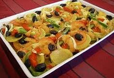 It is often cooked on social occasions and is the Portuguese traditional Christmas dinner in some parts of Portugal. Dish prepared with salted and dried cod, potatoes, onions, tomatoes and olives. Cod Recipes, Fish Recipes, Cooking Recipes, Bacalhau Recipes, Traditional Christmas Dinner, Portuguese Recipes, Portuguese Food, Fish Dishes, Fish And Seafood