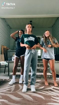Girl Dance Video, Dance Moms Videos, Dance Music Videos, Dance Choreography Videos, Best Friends Whenever, Crazy Things To Do With Friends, Best Friends Funny, People Dancing, Girl Dancing