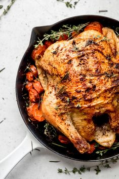 Learn how to make a delicious and easy whole roasted chicken. You just a need a few ingredients, a good roasting pan or skillet and a little over an hour! Makes juicy meat that's perfectfor serving as is or shredding and adding to soups, stews, enchiladas or tacos! Yum. #roastedchicken #chickendinner #dinnerrecipe #mealprep #mealprepping Healthy Grilling Recipes, Grilled Steak Recipes, Low Carb Dinner Recipes, Whole Roasted Chicken, Stuffed Whole Chicken, Edamame, Oven Chicken Recipes, Crunch, Calories