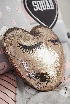 Cute rose gold sequin lash pillow with eyelashes Rose gold sequin eyelash pillow sparkly cute! Cute rose gold sequin lash pillow with eyelashes Rose gold sequin eyelash pillow sparkly cute! Saffron Barker Merch, Eyelash Pillow, Heart Cushion, Cushion Pillow, Pillows, Gold Bedroom Decor, Eyelash Extensions Styles, Eyelash Logo, Lash Room