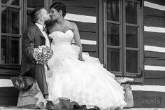Fotograf Tomáš Kopecký - rezervácie na svadobnú sezónu 2019 so zľavou 50 € do konca augusta 2018! :)  #svadba #svadobnyfotograf #nasasvadba #svadobnyvyhladavac Nasa, Wedding Dresses, Fashion, Bride Dresses, Moda, Bridal Gowns, Fashion Styles, Wedding Dressses