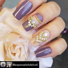 Repost from @espacoelohdelcoli using @RepostRegramApp - Pedrarias para comprar acesse www.tatacustomizaçãoecia.com.br #keycacau #tatacustomizacao #simonesemanech #simonetis #impala