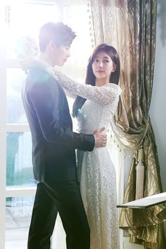 "Lee Jong Suk and Bae Suzy in drama ""While You Were Sleeping"" Korean Drama Best, Korean Drama Movies, Korean Actors, Korean Idols, Korean Dramas, Suzy Drama, K Drama, Drama Fever, Jung Suk"