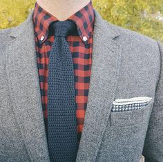 """1,322 Me gusta, 10 comentarios - The Tie Bar (@thetiebar) en Instagram: """"Neutral accessories FTW.    Link to our Knitted tie and printed silk pocket square in profile."""""""