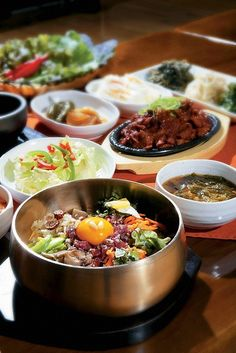 Yummy bibimbap, je-yuk bokkeum, and banchan! South Korean Food, Korean Street Food, K Food, Food Porn, Korean Dishes, Food Festival, I Love Food, Asian Recipes, Great Recipes
