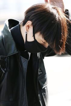 """Note: Mature content JEON JUNGKOOK x READER """"I asked you a question"""", he said arching his brows. From that paused earlier, you got a good look at his features. Bts Airport, Airport Style, Airport Fashion, Jungkook Oppa, Foto Jungkook, Billboard Music Awards, Busan, Foto Bts, Playboy"""