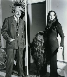 The Addams Family. Cousin Itt, Morticia, Gomez -1964 Photo