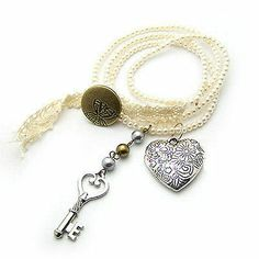 Hot Woman Unique Jewelry Pearl Necklace Heart Key Pendant Vintage Chain