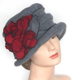 Polar Fleece Ladies Hat - clapet Cloche - Vintage Style - gris et rouge - Charlotte