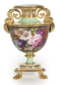 A FINE BARR, FLIGHT AND BARR GREEN-GROUND VASE 1807-13