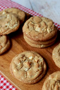Food Porn, White Chocolate Chip Cookies, Dessert Recipes, Desserts, Wicked, Scones, Sweet Recipes, Biscuits, Goodies