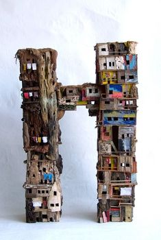 Slum Quarters,by Van Eric Cremers. Clay Houses, Ceramic Houses, Miniature Houses, Cardboard Sculpture, Cardboard Art, Sculptures Céramiques, Art Sculpture, Art Carton, Art Altéré