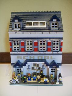 Lego Modular School: A LEGO® creation by Luca Fusar Bassini : MOCpages.com