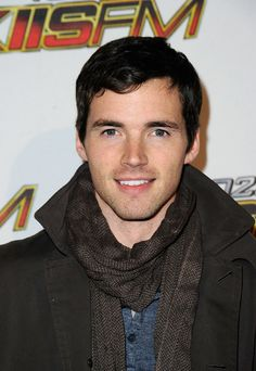 ian harding aka mr.fitz     soooo in love with him haha