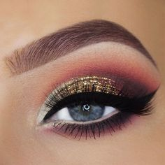 There is nothing more versatile than eye makeup. Are you one of those who thinks that knows nothing about makeup? Then you have come to the right place!