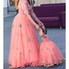 Get In Touch With Your Feminine Side Wearing Pink Coloured Mother Daughter Gown By Ninecolours. Made From Cotton,Silk This Gown Will Keep You Comfortable Gown Pair It With Heels Or Sneaker To. Mom Daughter Matching Dresses, Mom And Baby Dresses, Dresses Kids Girl, Mother And Daughter Dresses, Fashion Niños, Indian Fashion, Fashion Ideas, Fashion Outfits, Looks Party