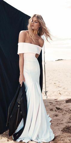 Trendy Wedding Dresses 2018 For Contemporary Bride ★ See more: https://weddingdressesguide.com/trendy-wedding-dresses/ #bridalgown #weddingdress