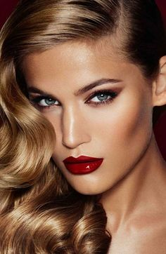 How to create the Charlotte Tilbury Bombshell look.
