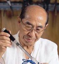 무형문화재 '장도장' 명예보유자 박용기 선생의 추모분향소입니다.