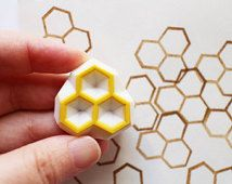 honeycomb stamp. beehive hand carved rubber stamp. geometric hexagon stamp. birthday gift wrapping. gift tag scrapbook making. small