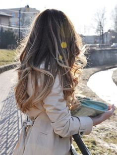 Dark brown to blonde ombre balayage hairstyle, hair trend of 2015