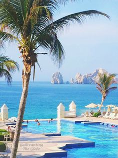RIU Palace Cabo San Lucas Infinity Pool with beautiful views of Lands End and The Arch! Can't wait for this 2017 vacay either!✈️⚓️