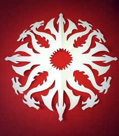 Create DIY Paper House Sigil S is listed (or ranked) 18 on the list Epic Ideas for Your Next Game of Thrones Party Paper Snowflake Patterns, Snowflake Template, Paper Snowflakes, Paper Patterns, Christmas Snowflakes, Christmas Wishes, Christmas Stuff, Doll Patterns, Christmas Ideas