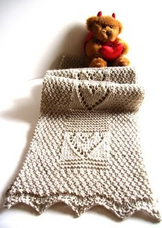 Free Pattern: Have a Heart Scarf