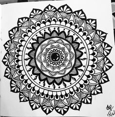 Frre hand black and white mandala