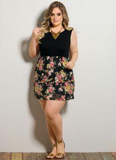 Vestido Transparência Preto e Floral Plus Size - Posthaus
