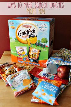 Surprise them with a fun & tasty treat + a free printable joke to add! Printable fish themed jokes to make them giggle- print on a sticker label or just paper and tape them to a snack bag. Fits perfectly on Goldfish bags- works on tons of other snack bags!  #ad  #wishihadawetones