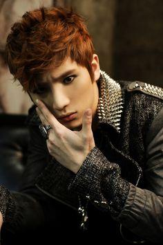 "Tritops member Lee Woo Gon reveals that he is a ""military veteran idol"" #allkpop #tritops"
