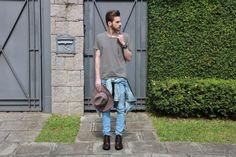 blog lincooln, lincoln briniak, lincoln, ootd, style, fashion, outfit, male, look do dia, moda masculina, bota, cabelo masculino, jeans, balmain, jeans balmain, chapéu, chapéu masculino, hat, fedora, verde, verde militar, jaqueta jeans