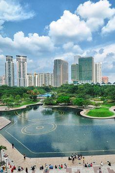 This city is amazing! #Kuala Lumpur  #Malaysia #traveldestinations #travelideas #vacationideas #placestotravel #placestovisit www.haisitu.ro