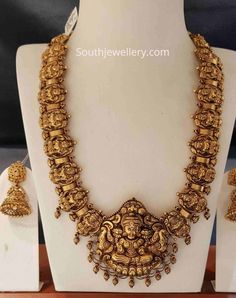 Indian Gold Necklace Designs, Antique Jewellery Designs, Indian Jewelry Sets, Gold Earrings Designs, Indian Wedding Jewelry, Bridal Jewelry, Antique Jewelry, Gold Bangles Design, Gold Jewellery Design