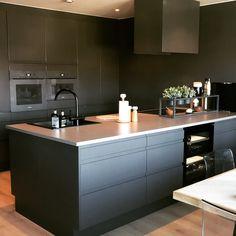 Sigdal kjøkken, Miele , røroshetta Cabin Interiors, Küchen Design, Home Kitchens, Events, House, Inspiration, Home Decor, Little Cottages, Modern