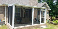Screened Front Porches, Screened Porch Designs, Small Porches, Decks And Porches, Screen House, House Deck, Diy Porch, Porch Ideas, Patio Ideas