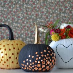 Cute way to decorate your pumpkins this fall!