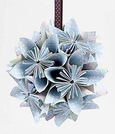 11732 Paperista tehty kukkapallo